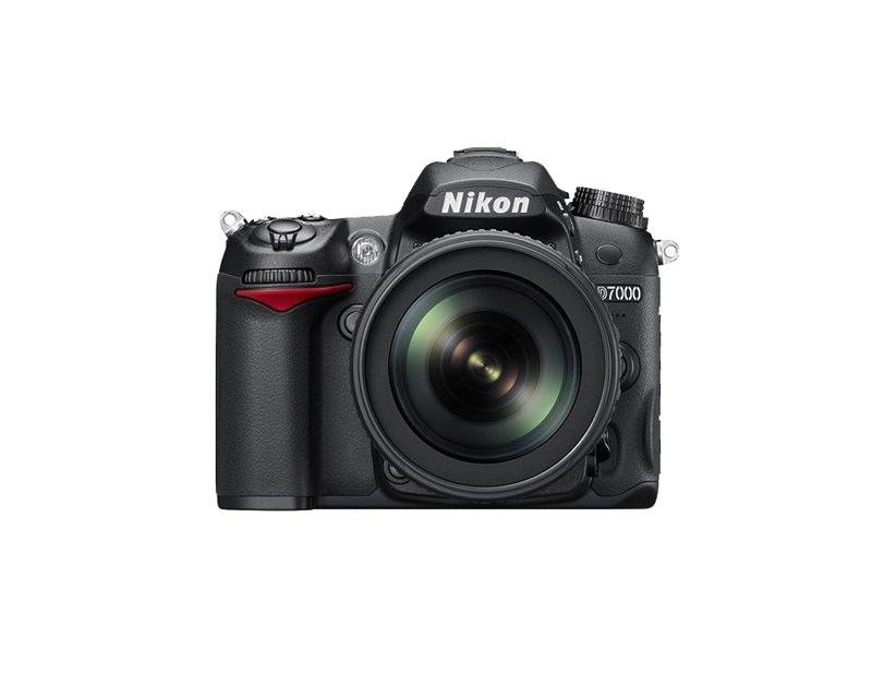دوربین نیکون D7000 + 18-55mm (دست دوم)