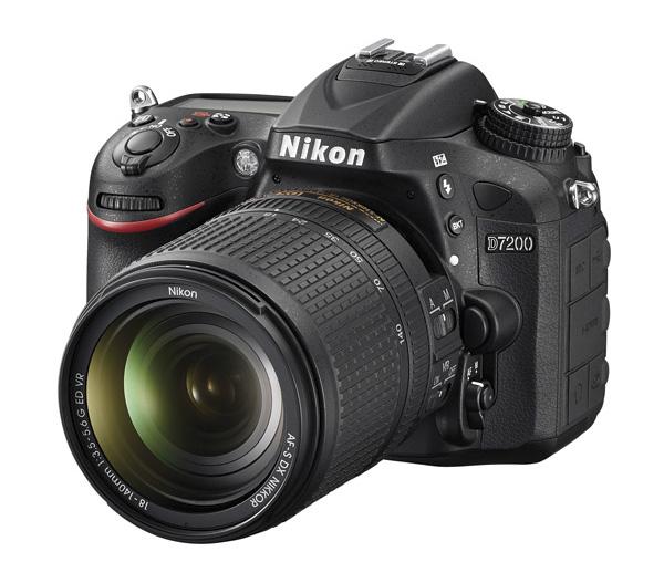 دوربین نیکون D7200 + 18-140mm VR