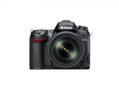 دوربین نیکون D7000  (دست دوم)