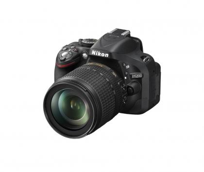 دوربین نیکون D5200 + 18-105mm VR (دست دوم)