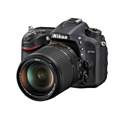 بدنه دوربین نیکون D7100 با لنز AF-S 18-140mm G ED VR (دست دوم)