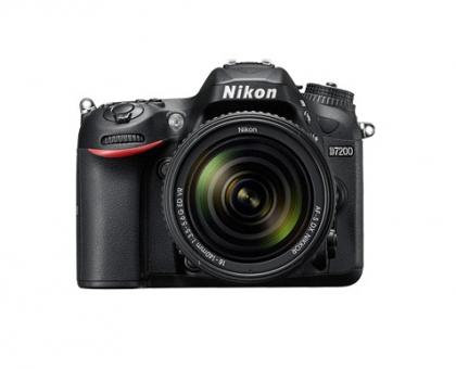 دوربین نیکون D7200 + 18-140mm VR (دست دوم)