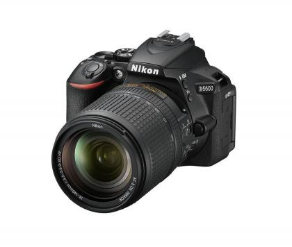 دوربین نیکون D5600 + 18-140mm VR